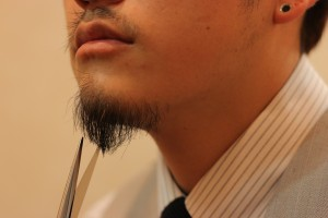 髭を整える_IMG_5113