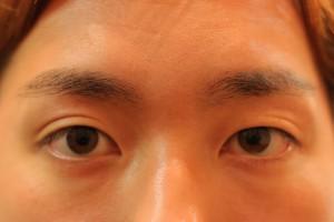 男の眉毛を整えるIMG_5132