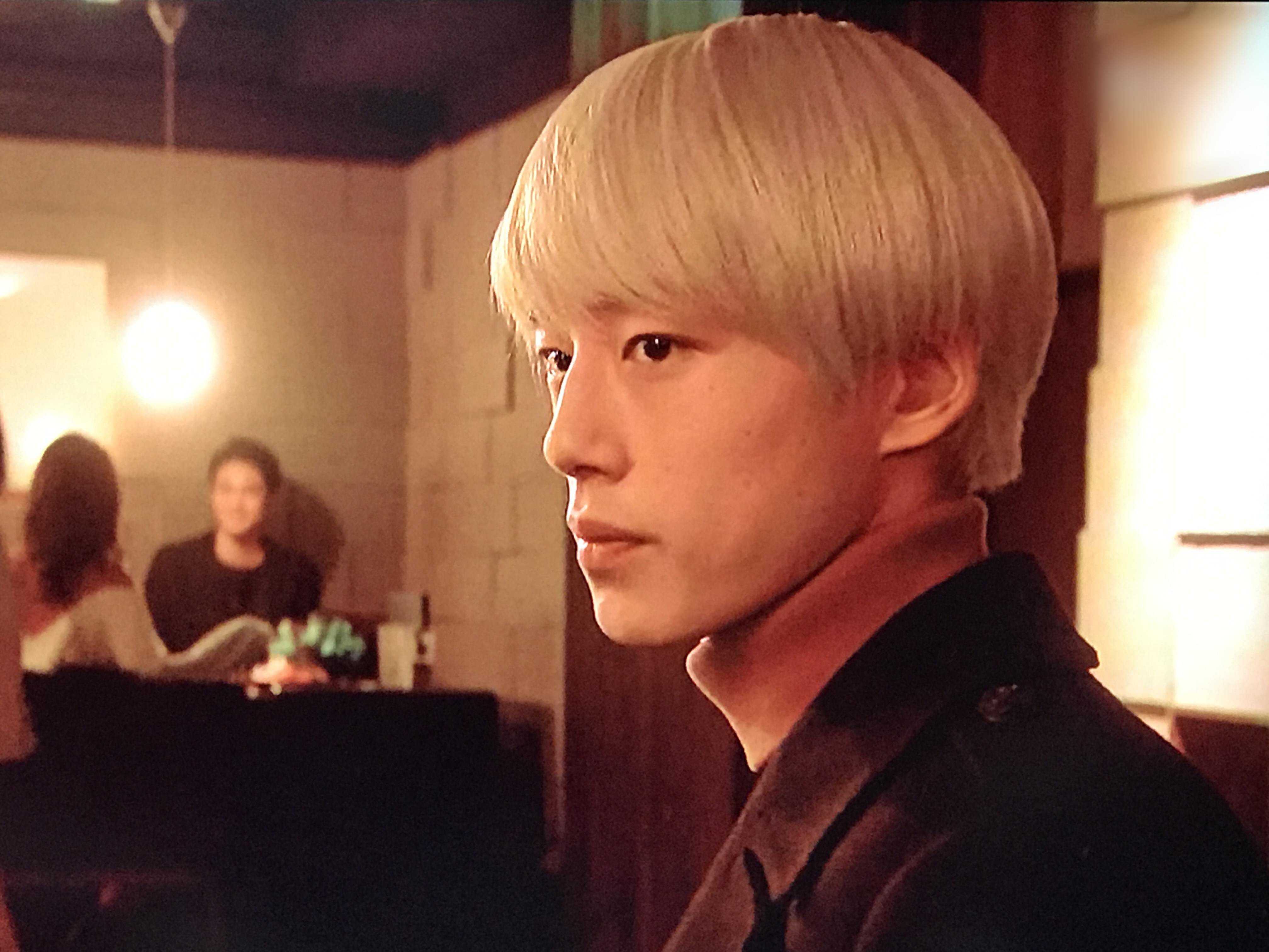 東京タラレバ娘で人気急上昇の坂口健太郎の金髪ヘアーが気になる